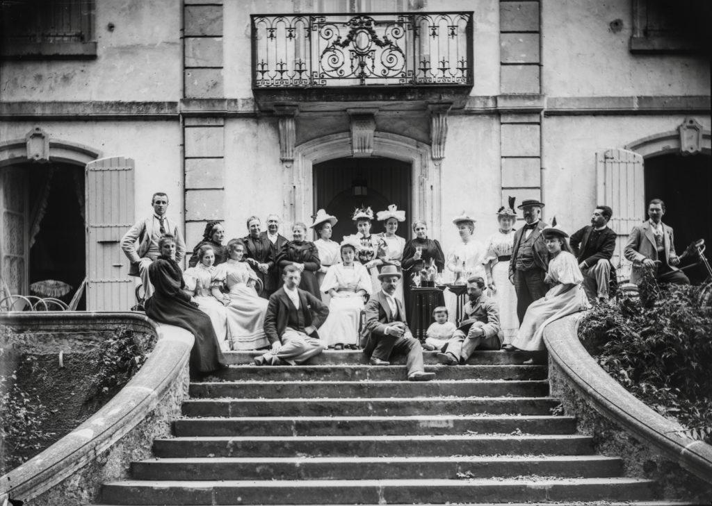 Famille Batut sur le péron d'En Laure